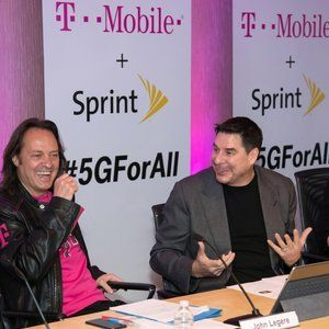 T-Mobile expects Sprint merger to close no later than Q2 2018, Q1 completion also possible