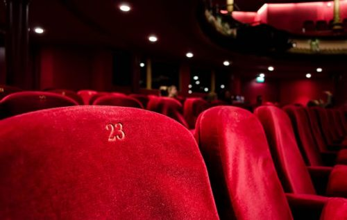 Facebook and AMC Theatres team to sell movie tickets