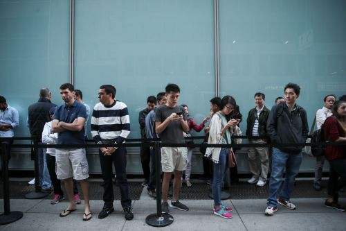 IPhone 8 is seeing some tiny launch day lines