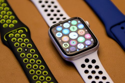 Apple Watch Series 4 models are still down to their Prime Day prices