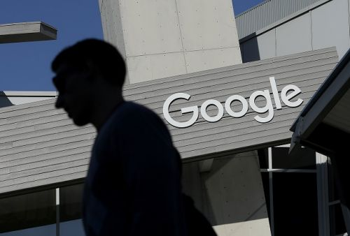 Google puts scam ad atop search results for Amazon