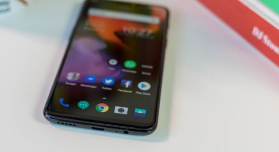 OnePlus ask fans what's their favorite OP6 feature and the 3.5mm headphone jack wins