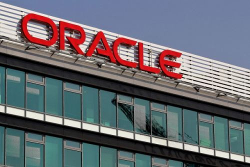 Oracle accused of shortchanging female and minority employees to the tune of $400 million