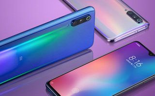 Xiaomi Mi 9 official with triple cams and 20W wireless charging