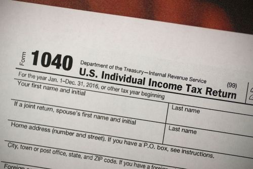 IRS e-filing system goes down on day of tax deadline