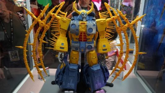 Hasbro Unveils Massive 2-Foot Tall TRANSFORMERS Unicron Action Figure!