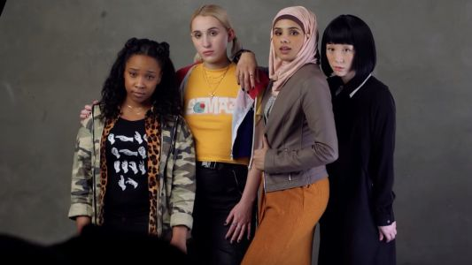 Kevin Smith Introduces the Young and Diverse Girl Gang in New JAY AND SILENT BOB REBOOT Set Video
