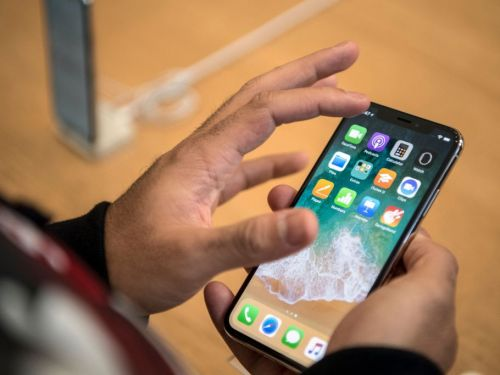 Apple announces hardware issues with its iPhone X and 13-inch MacBook Pro