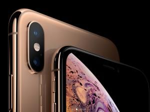 "All Too ""Familiar"" iPhone XS & XS Max Divide Opinion"