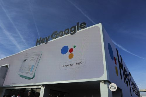 Google Assistant and Amazon Alexa fought for our attention at CES 2019