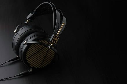 You don't need a fancy amp to make Audeze's LCD-4z sing. But you do need $4,000