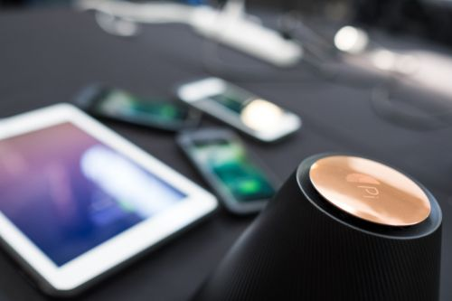Pi's Wireless Qi Charger Can Charge Phones From A Distance