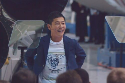 SpaceX will send Japanese billionaire Yusaku Maezawa around the Moon