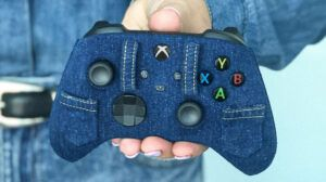 Xbox shows off the most Canadian-themed controller ever