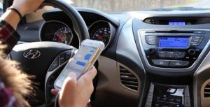 Canadians want technology to stop distracted driving, not police crackdowns: Poll