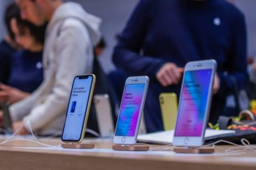 Apple just reopened all of its US-based retail stores