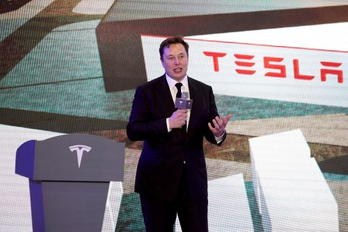 Tesla Employee Tests Positive for COVID-19 after Elon Musk Opened His Factories Nationwide