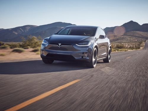 Tesla is pushing back Model S and Model X delivery dates - but that may actually be a good sign for the company