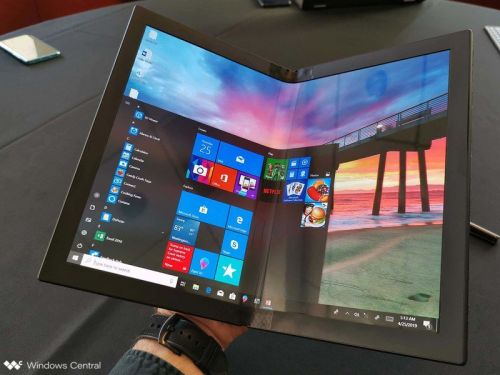 On this week's podcast. foldable PCs are coming, Huawei is in trouble