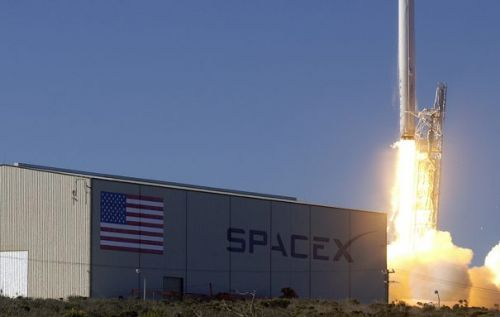 SpaceX says it would likely launch military weapons if asked