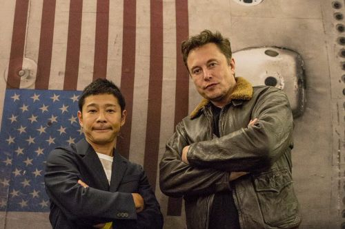 The easiest way for Elon Musk to raise money for SpaceX might be tourism