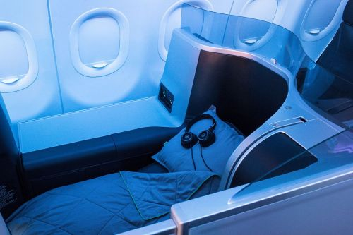 JetBlue to punish first-class customers with open-back Grado SR60e headphones