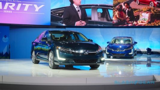 2018 Honda Clarity Plug-in Hybrid priced up with 110 MPGe