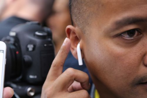 Google needs to give the AirPods better competition