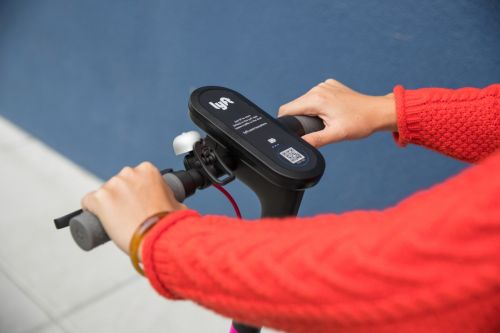 Lyft brings its electric scooters to Santa Monica