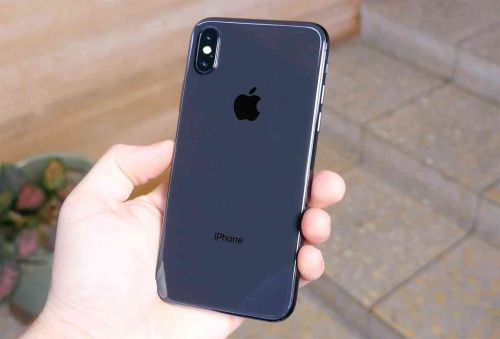 2019 iPhone models will reportedly keep Lightning port, 5W wall charger