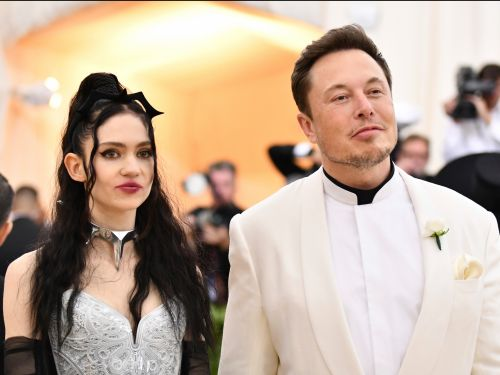 Grimes says boyfriend Elon Musk never tried to stop Tesla workers from unionizing, calls it 'fake news' in a now-deleted tweet