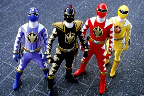 POWER RANGERS DINO THUNDER Is Entertaining to Watch