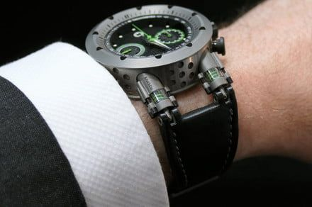 Like a car, this watch has dampers on the strap to make it more comfortable