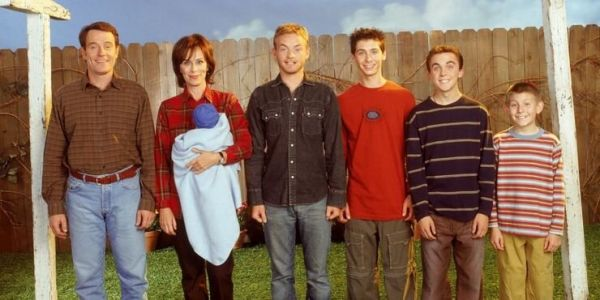 The Cast of MALCOLM IN THE MIDDLE Reuniting for Pilot Episode Table Read to Celebrate the Show's 20th Anniversary