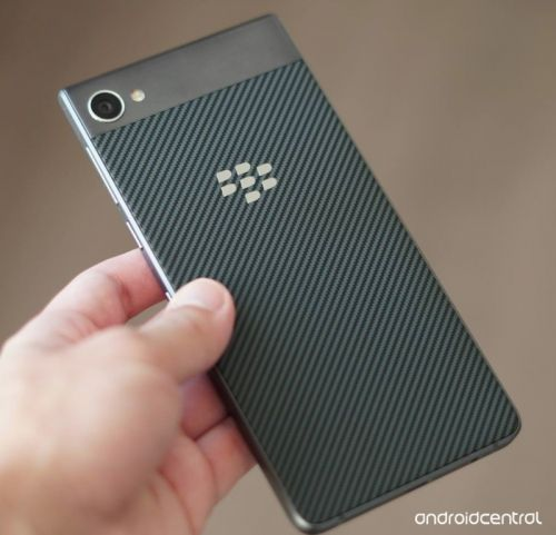 BlackBerry Motion coming to Canada on November 10