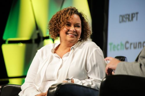 Apple's Lisa Jackson says the EPA hasn't changed, leadership has changed