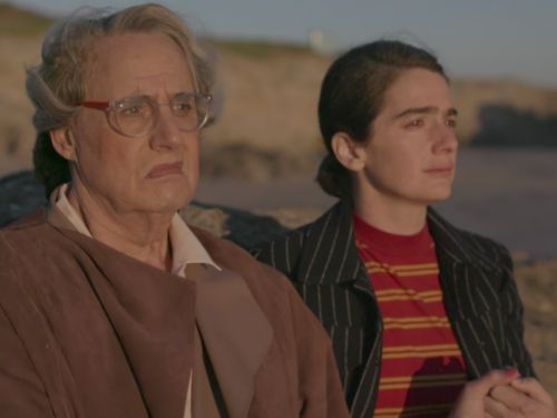 In season 4 of 'Transparent,' the Pfeffermans try to find themselves, but are hindered by tiring narcissism
