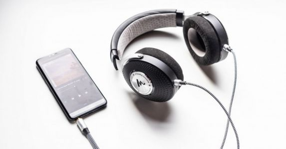 Focal Elegia Review: Neutral hi-fi headphones you can actually commute with