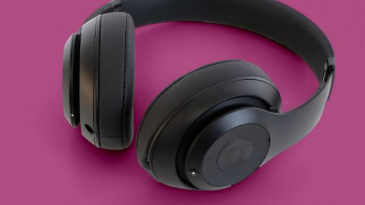 Apple tipped to be launching high-end over-ear headphones this year