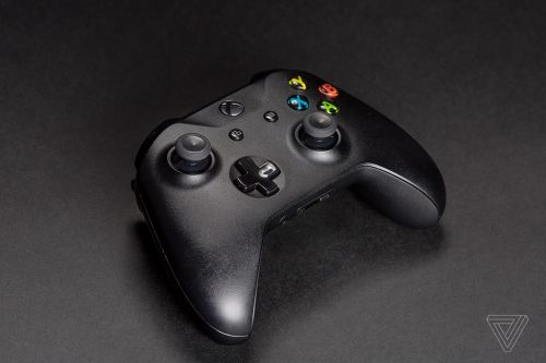 Apple starts selling Microsoft's Xbox controller after adding support in iOS, macOS, and tvOS