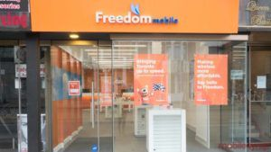 Freedom Mobile offers up to $200 credit for BYOD activations