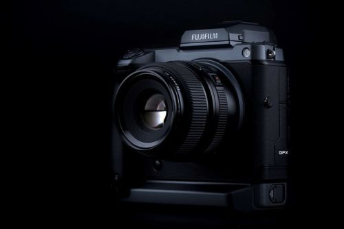 Fujifilm GFX100 brings 100-megapixel mirrorless medium format to market