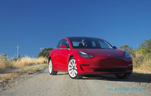 Tesla says all buyers get full $7,500 tax credit if ordered by October 15