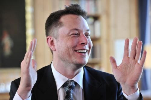 """Puerto Rico governor says """"Let's talk"""" after Elon Musk offers to solve the island's power crisis"""
