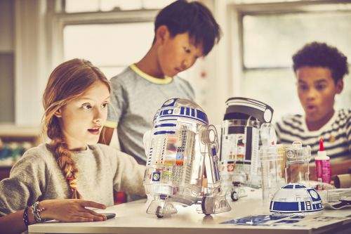 Learn to code with the littleBits Star Wars Droid Inventor Kit this April
