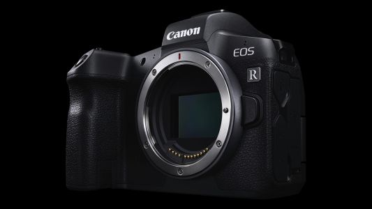 Canon will reportedly launch two new EOS R mirrorless cameras in 2019
