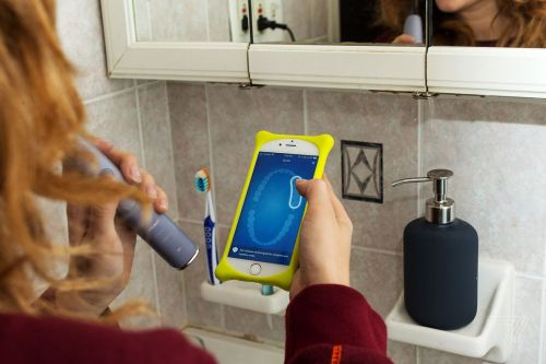 Brushing your teeth with a smart toothbrush is unnecessarily arduous