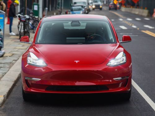 If you want to buy a Tesla, you have until October 15 to make sure you get the full $7,500 federal tax credit for EVs