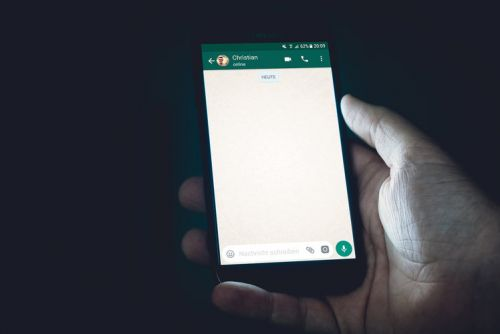 WhatsApp for Android beta reveals new 'Read Later' feature coming