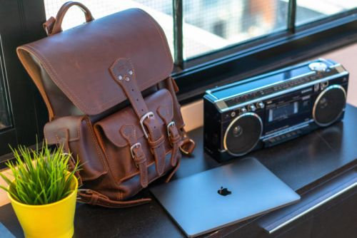 Saddleback Thin Front Pocket Backpack review: The best rugged leather backpack for your MacBook